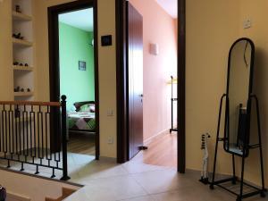 Super Apartment on Maghalashvili, Ferienwohnungen  Tbilisi City - big - 26
