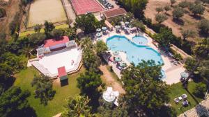 Borgo Degli Ulivi Natural Resort