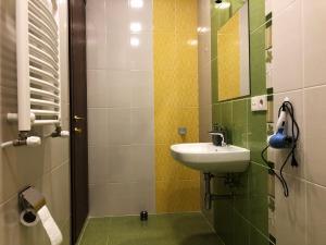 Super Apartment on Maghalashvili, Ferienwohnungen  Tbilisi City - big - 37