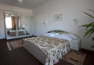 Отель Нтон, Львов