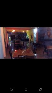 Downtown hotel-restaurant&pub, Hotely  Anuradhapura - big - 15