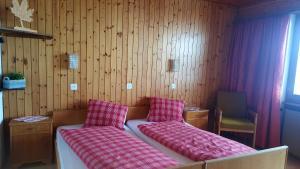 Pension Kastel, Bed & Breakfast  Zeneggen - big - 5