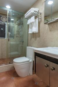 W Tsim Sha Tsui station 3bed+2bath Luxury apartment, Ferienwohnungen  Hongkong - big - 5