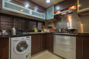 W Tsim Sha Tsui station 3bed+2bath Luxury apartment, Ferienwohnungen  Hongkong - big - 11
