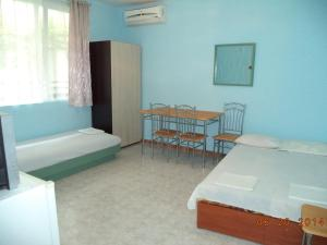 Popovi Guest House, Guest houses  Pomorie - big - 5