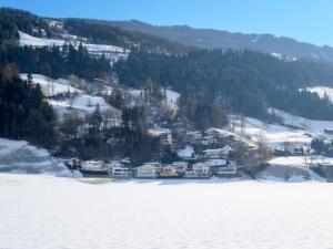 Haus Ruech 164W, Nyaralók  Hart im Zillertal - big - 5