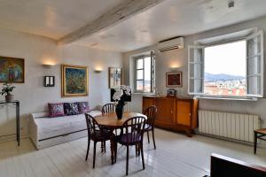 Palais Hongran de Fiana, Apartments  Nice - big - 22