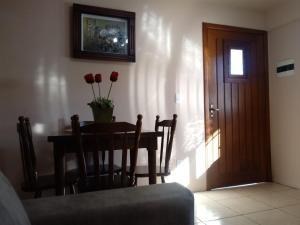 Apartamento próximo ao Centro de Gramado - Charmoso, Апартаменты  Грамаду - big - 54