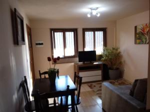 Apartamento próximo ao Centro de Gramado - Charmoso, Апартаменты  Грамаду - big - 55