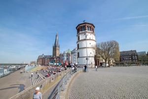 Tolstov-Hotels Old Town Apartment, Apartmanok  Düsseldorf - big - 98