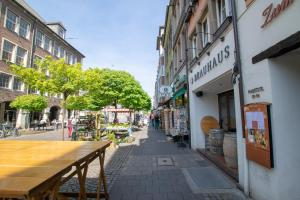 Tolstov-Hotels Old Town Apartment, Apartmanok  Düsseldorf - big - 102