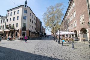 Tolstov-Hotels Old Town Apartment, Apartmanok  Düsseldorf - big - 101