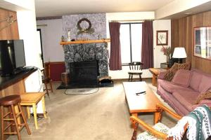 Sunshine Village Mammoth Lakes Condo #103 Condo, Apartmány  Mammoth Lakes - big - 1