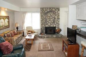 Sunshine Village Mammoth Lakes Condo #135 Condo, Apartments  Mammoth Lakes - big - 1