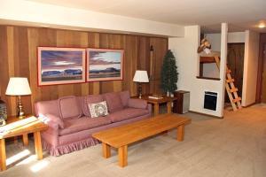 Sunshine Village Mammoth Lakes Condo #103 Condo, Apartmány  Mammoth Lakes - big - 8
