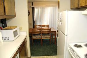 Sunshine Village Mammoth Lakes Condo #173 Condo, Апартаменты  Маммот-Лейкс - big - 3