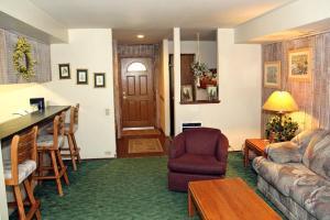 Sunshine Village Mammoth Lakes Condo #173 Condo, Апартаменты  Маммот-Лейкс - big - 8
