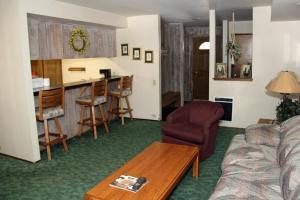 Sunshine Village Mammoth Lakes Condo #173 Condo, Апартаменты  Маммот-Лейкс - big - 12
