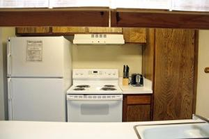 Sunshine Village Mammoth Lakes Condo #173 Condo, Апартаменты  Маммот-Лейкс - big - 14