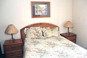 Sunshine Village Mammoth Lakes Condo #173 Condo, Апартаменты  Маммот-Лейкс - big - 16