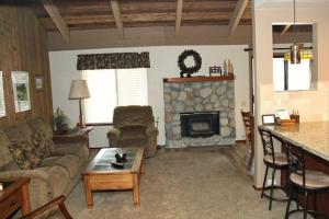 Sunshine Village Mammoth Lakes Condo #136 Condo, Apartmány  Mammoth Lakes - big - 1