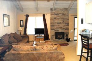 Sunshine Village Mammoth Lakes Condo #106 Condo, Апартаменты  Маммот-Лейкс - big - 1