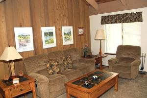 Sunshine Village Mammoth Lakes Condo #136 Condo, Apartmány  Mammoth Lakes - big - 3
