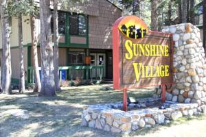 Sunshine Village Mammoth Lakes Condo #106 Condo, Апартаменты  Маммот-Лейкс - big - 2