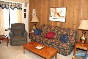 Sunshine Village Mammoth Lakes Condo #134 Condo, Апартаменты  Маммот-Лейкс - big - 6