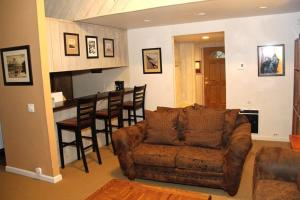 Sunshine Village Mammoth Lakes Condo #106 Condo, Апартаменты  Маммот-Лейкс - big - 5