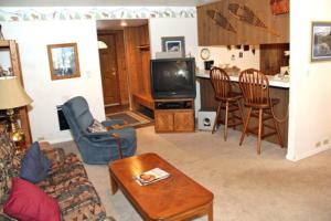 Sunshine Village Mammoth Lakes Condo #134 Condo, Апартаменты  Маммот-Лейкс - big - 11