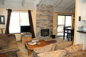 Sunshine Village Mammoth Lakes Condo #106 Condo, Апартаменты  Маммот-Лейкс - big - 13