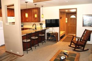 Sunshine Village Mammoth Lakes Condo #136 Condo, Apartmány  Mammoth Lakes - big - 11
