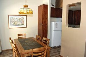 Sunshine Village Mammoth Lakes Condo #136 Condo, Apartmány  Mammoth Lakes - big - 14