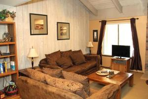 Sunshine Village Mammoth Lakes Condo #106 Condo, Апартаменты  Маммот-Лейкс - big - 23