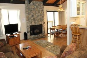 Sunshine Village Mammoth Lakes Condo #132 Condo, Apartmány  Mammoth Lakes - big - 7
