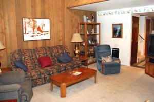 Sunshine Village Mammoth Lakes Condo #134 Condo, Апартаменты  Маммот-Лейкс - big - 18