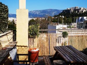 Romantic Apt with Penthouse & Acropolis View, Apartmány  Atény - big - 11