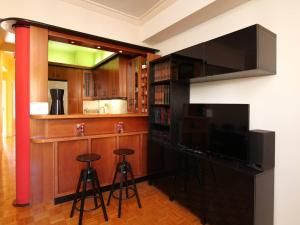 Romantic Apt with Penthouse & Acropolis View, Apartmány  Atény - big - 38