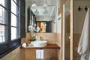 AinB Gothic-Jaume I Apartments, Апартаменты  Барселона - big - 44