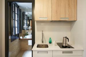AinB Gothic-Jaume I Apartments, Апартаменты  Барселона - big - 42