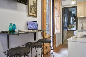 AinB Gothic-Jaume I Apartments, Апартаменты  Барселона - big - 48