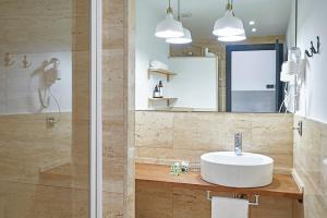 AinB Gothic-Jaume I Apartments, Апартаменты  Барселона - big - 11