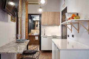 AinB Gothic-Jaume I Apartments, Апартаменты  Барселона - big - 57