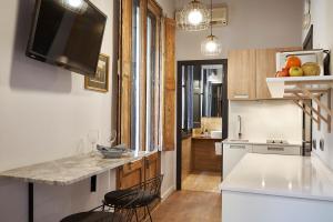 AinB Gothic-Jaume I Apartments, Апартаменты  Барселона - big - 58