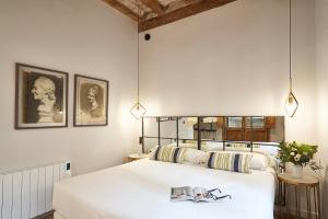 AinB Gothic-Jaume I Apartments, Апартаменты  Барселона - big - 63
