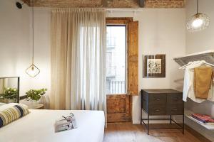 AinB Gothic-Jaume I Apartments, Апартаменты  Барселона - big - 64