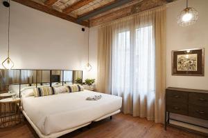AinB Gothic-Jaume I Apartments, Апартаменты  Барселона - big - 65