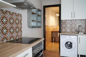 AinB Gothic-Jaume I Apartments, Апартаменты  Барселона - big - 69