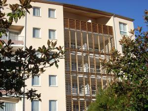 Appart'hôtel - Résidence la Closeraie, Residence  Lourdes - big - 35